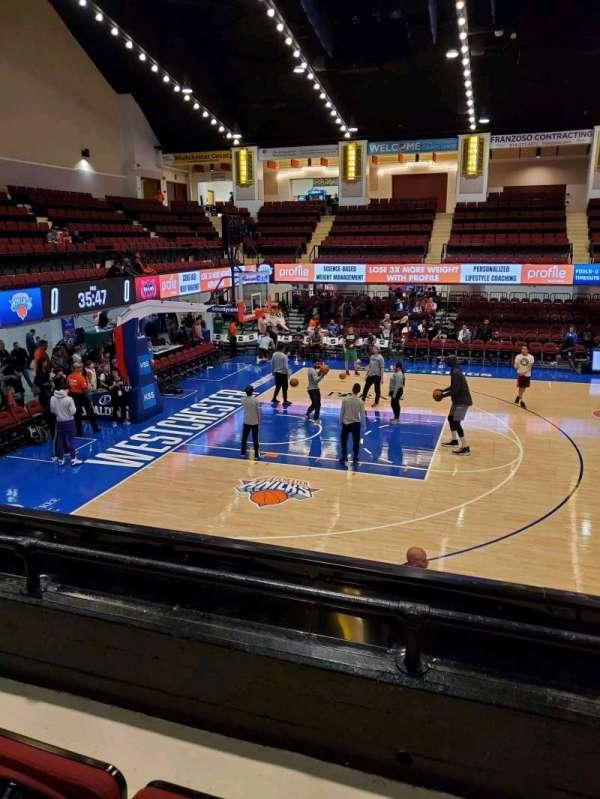Westchester County Center, vak: 40RGT, rij: B, stoel: 44