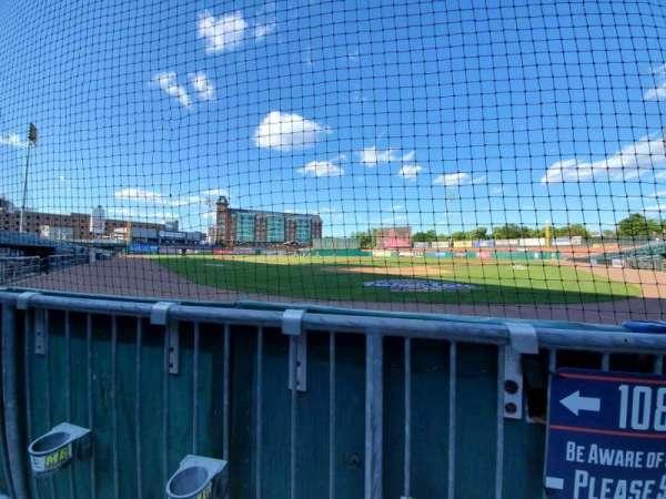 Northeast Delta Dental Stadium, vak: 108, rij: A, stoel: 1
