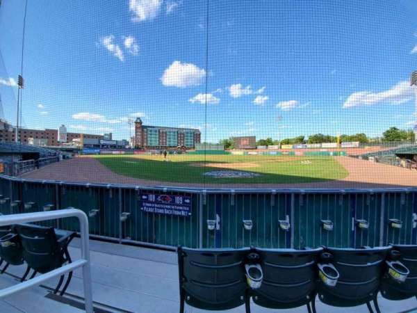 Northeast Delta Dental Stadium, vak: 109, rij: C, stoel: 9