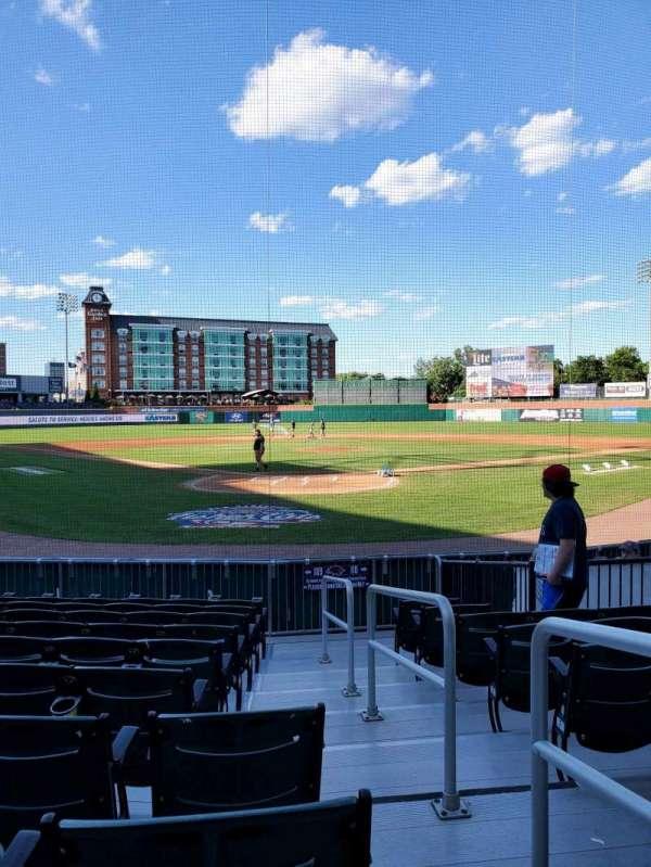 Northeast Delta Dental Stadium, vak: 109, rij: K, stoel: 1