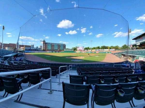 Northeast Delta Dental Stadium, vak: 109, rij: K, stoel: 14