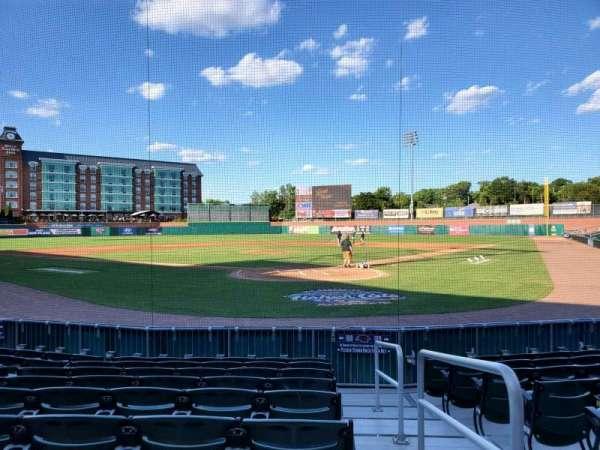 Northeast Delta Dental Stadium, vak: 108, rij: J, stoel: 1