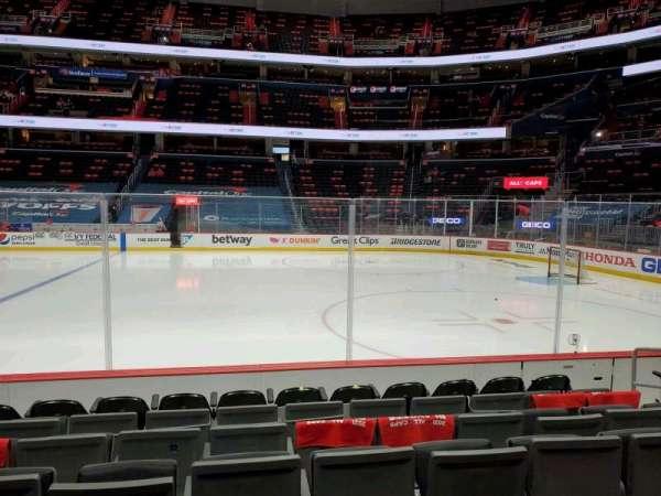 Capital One Arena, vak: 112, rij: G, stoel: 16