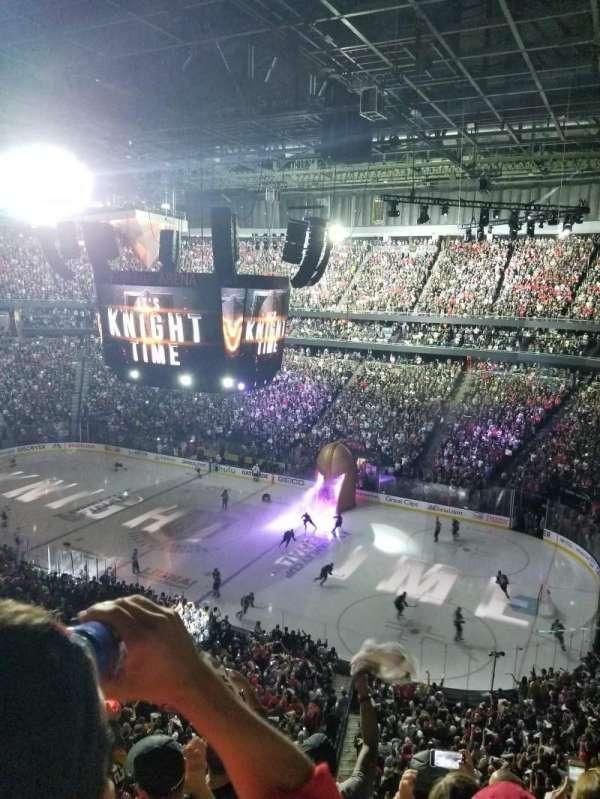 T-Mobile Arena, vak: 226, rij: E, stoel: 10