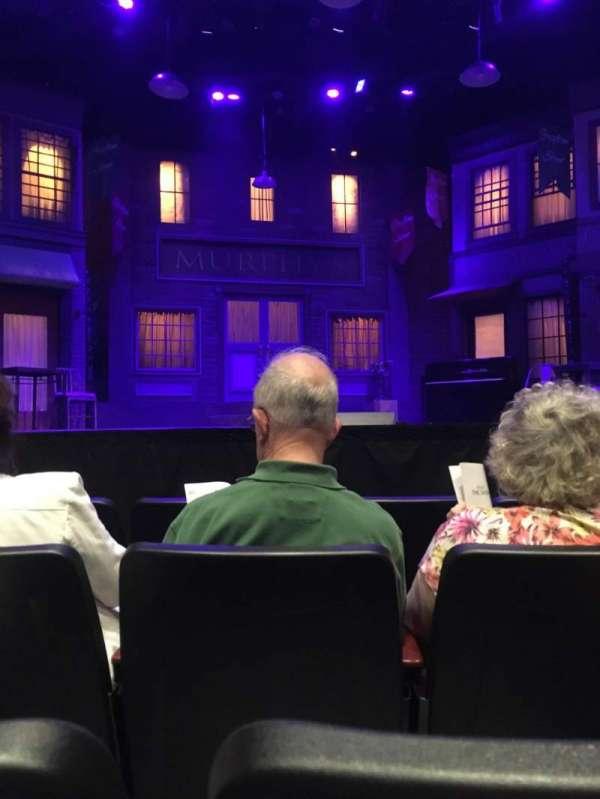 Saint Michaels Playhouse, vak: Orch Ctr., rij: D, stoel: 15