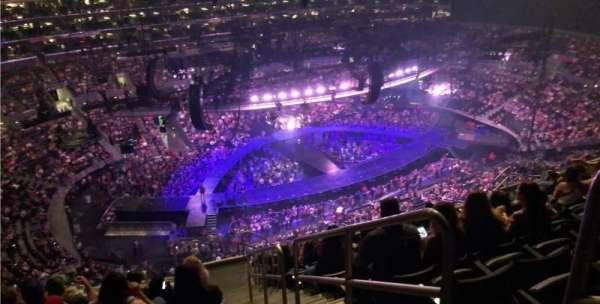 Staples Center, vak: 304, rij: 13, stoel: 1
