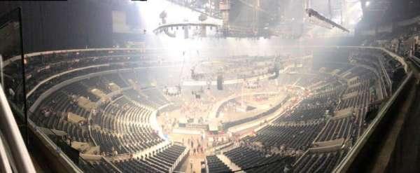 Staples Center, vak: 305, rij: 1, stoel: 1