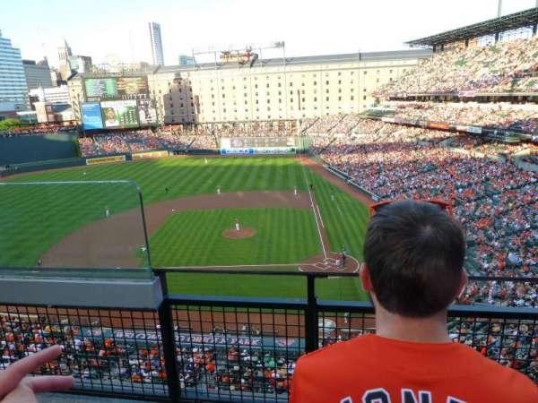 Oriole Park at Camden Yards, vak: 348, rij: 2, stoel: 10