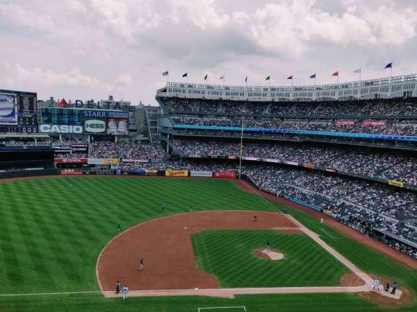 Yankee Stadium, vak: 325, rij: 2, stoel: 14