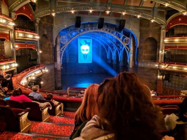 Lyric Theatre, vak: Dress circle, rij: F, stoel: 101