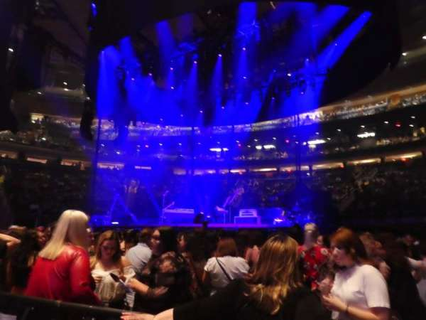 Madison Square Garden, vak: Floor C, rij: 2, stoel: 3