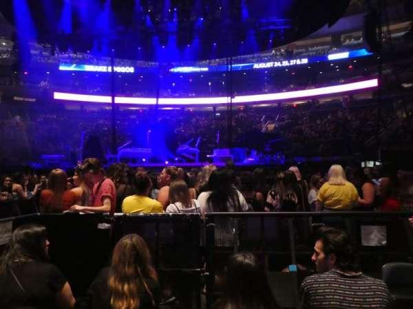 Madison Square Garden, vak: Floor B, rij: 4, stoel: 5