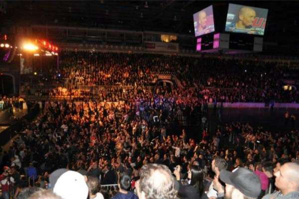 Coca-Cola Coliseum, vak: 101, rij: 15, stoel: 5