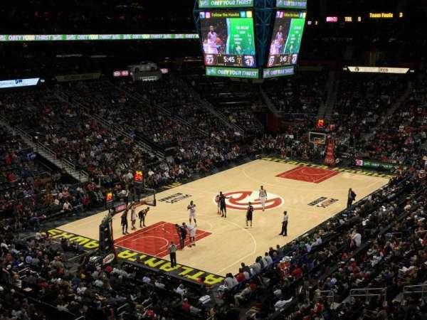 State Farm Arena, vak: 315, rij: D, stoel: 3