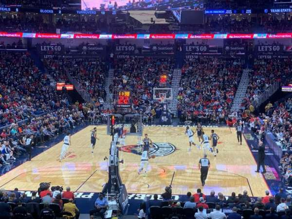 Smoothie King Center, vak: 118, rij: 23, stoel: 20