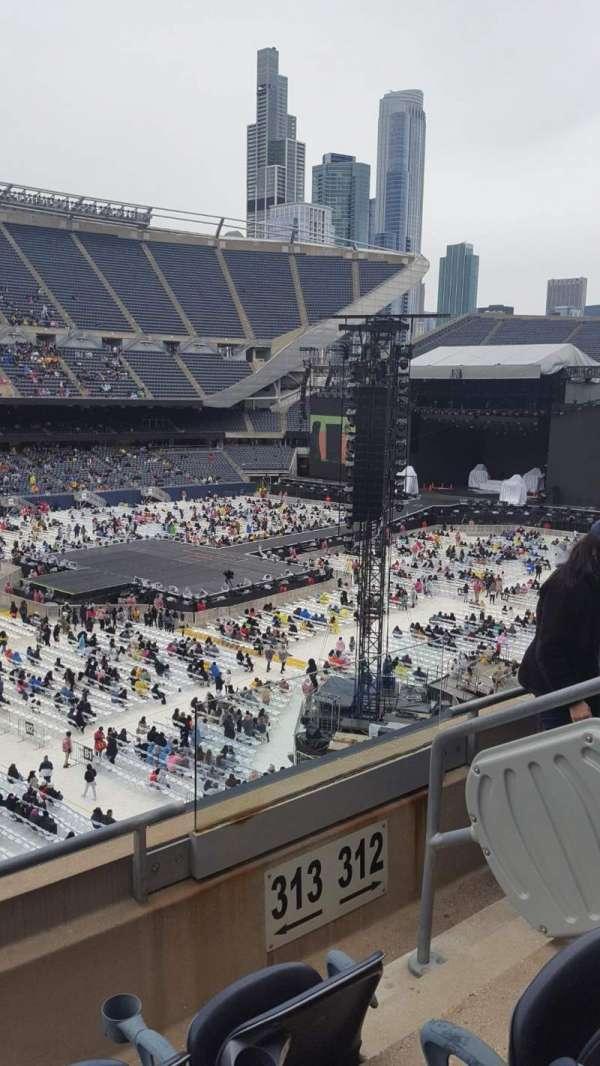 Soldier Field, vak: 313, rij: 3, stoel: 14
