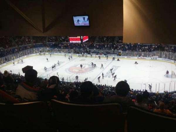 Old Nassau Veterans Memorial Coliseum, vak: 340, rij: T, stoel: 8