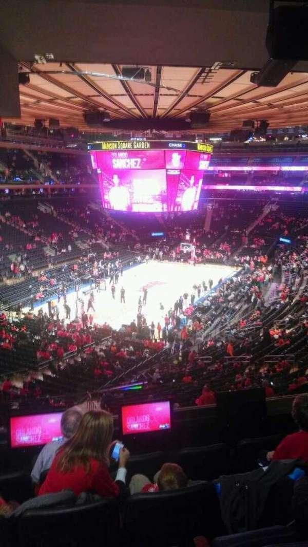 Madison Square Garden, vak: 206, rij: 5, stoel: 13