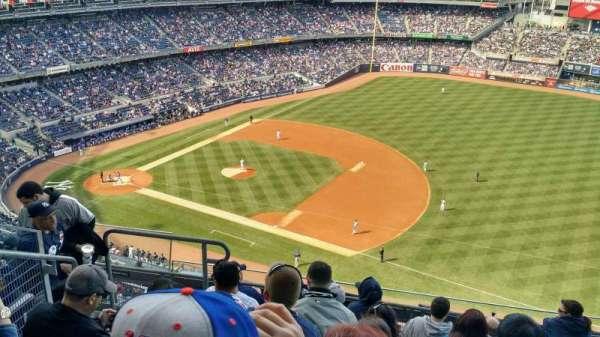 Yankee Stadium, vak: 413, rij: 7, stoel: 20