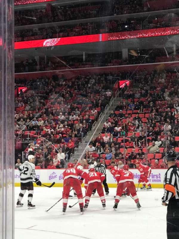 Little Caesars Arena, vak: 118, rij: 1, stoel: 1
