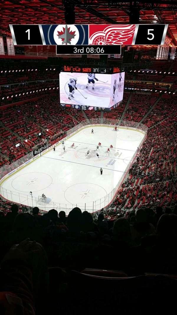 Little Caesars Arena, vak: 217, rij: 8, stoel: 15