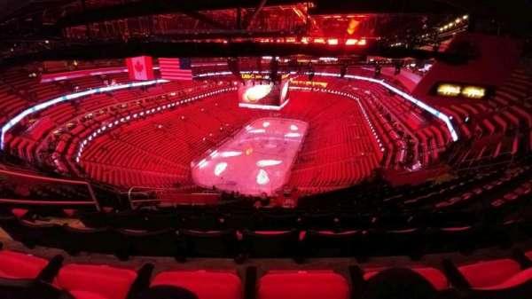Little Caesars Arena, vak: 217, rij: 12