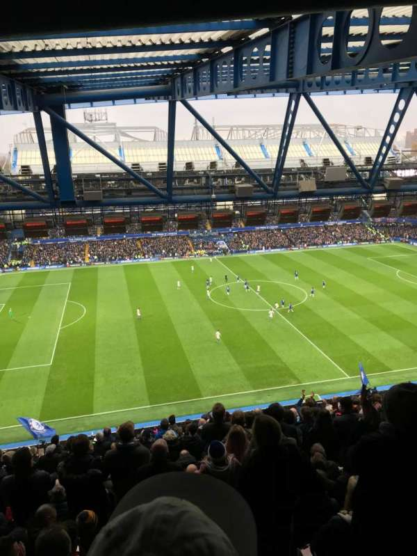 Stamford Bridge, vak: West Stand Upper, rij: 19, stoel: 168
