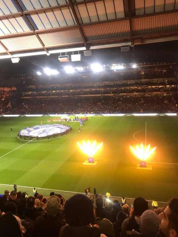 Stamford Bridge, vak: East Stand Upper, rij: 11, stoel: 18
