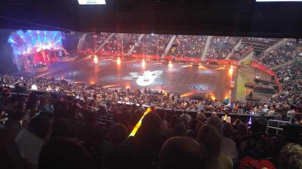 State Farm Arena, vak: 210, rij: M, stoel: 5