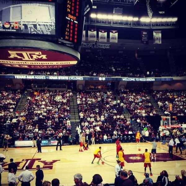 Reed Arena, vak: 121, rij: D, stoel: 3
