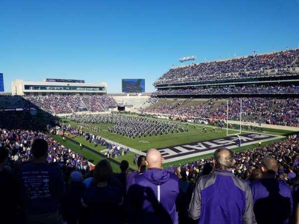 Bill Snyder Family Stadium, vak: 11, rij: 46, stoel: 1