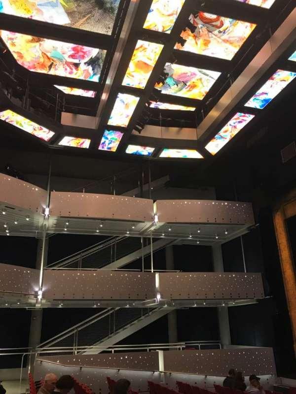 Alexis & Jim Pugh Theater at the Dr. Phillips Center, vak: Main Floor, rij: G, stoel: 111