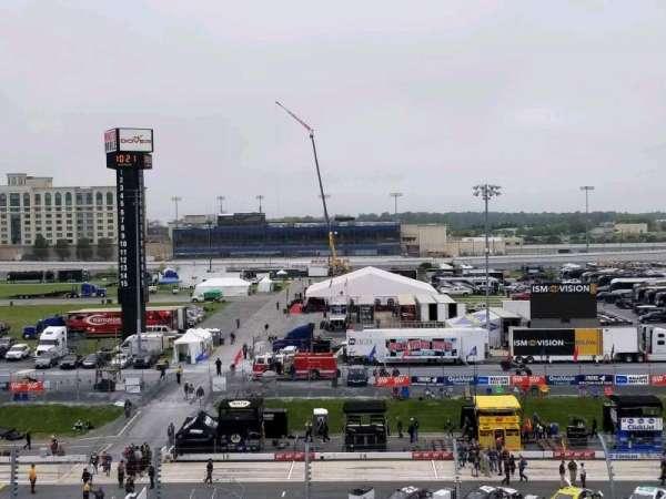 Dover International Speedway, vak: 250, rij: 43, stoel: 32