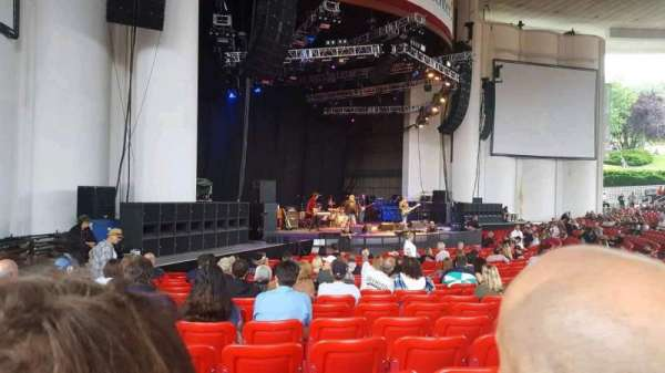 PNC Bank Arts Center, vak: 104, rij: u, stoel: 33