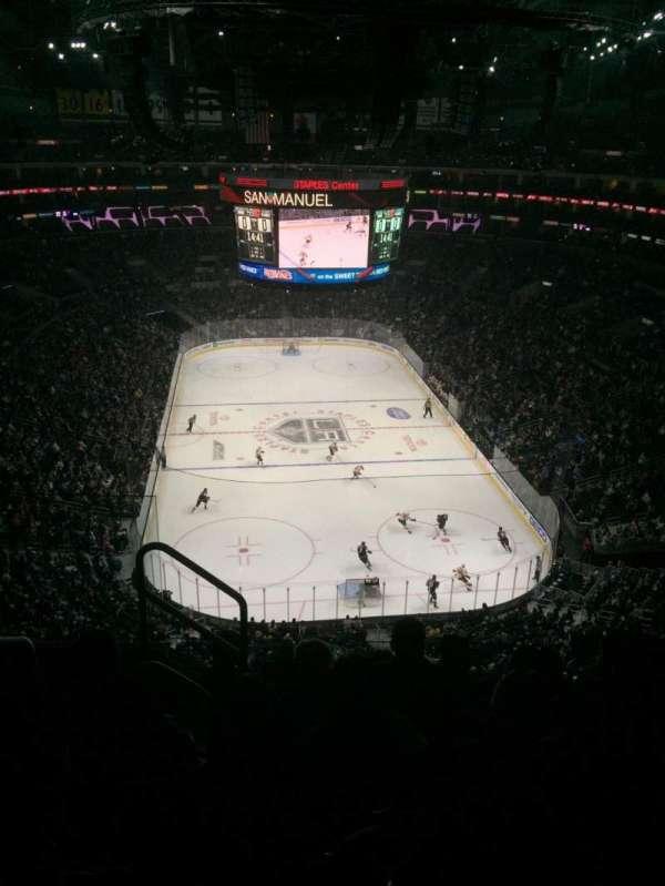 Staples Center, vak: 310, rij: 6, stoel: 11