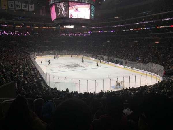 Staples Center, vak: 209, rij: 7, stoel: 12