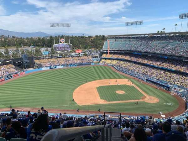 Dodger Stadium, vak: 17RS, rij: JJ, stoel: 23