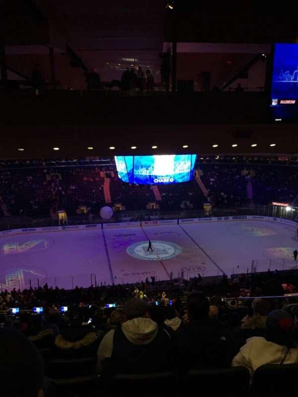 Madison Square Garden, vak: 210, rij: 18, stoel: 13