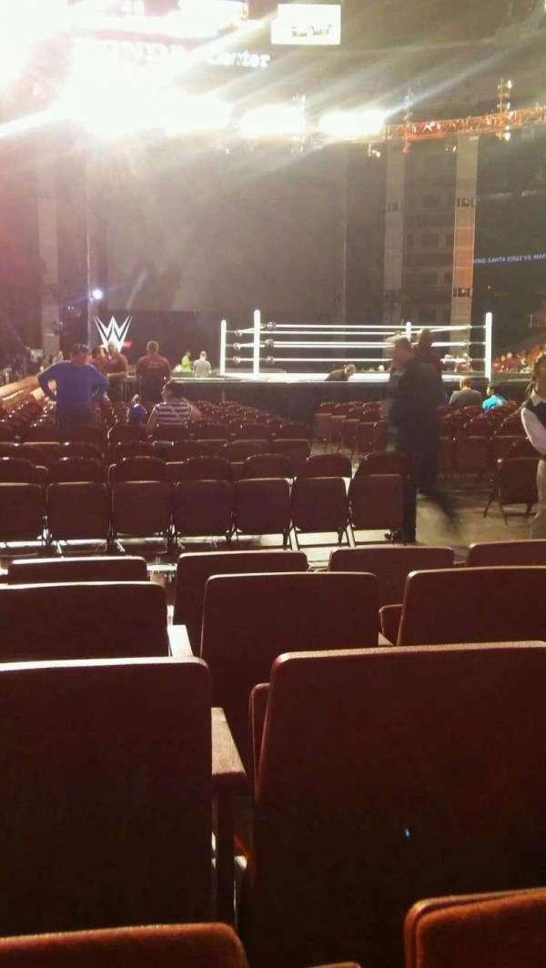 Honda Center, vak: 202, rij: EE, stoel: 5