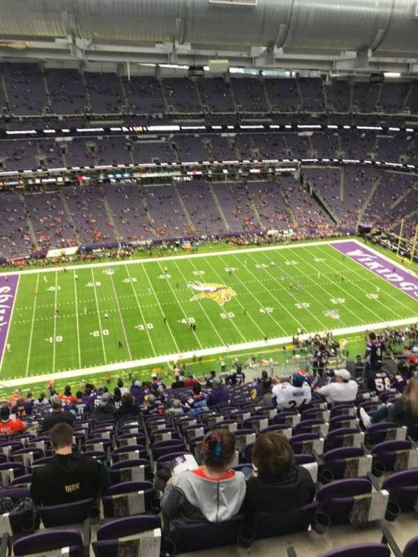 U.S. Bank Stadium, vak: 343, rij: 21, stoel: 13