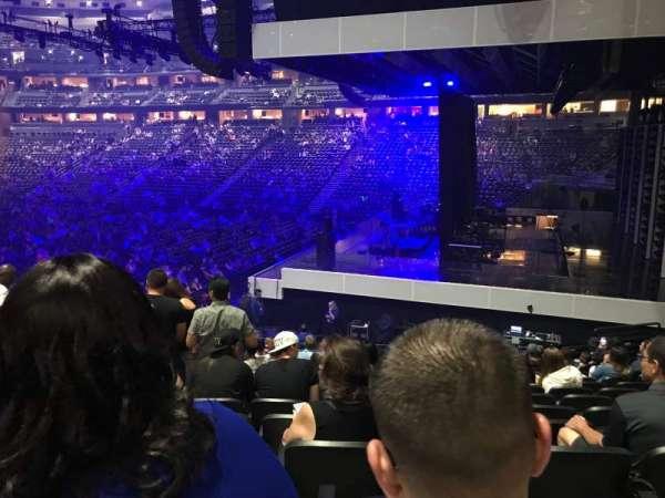 Pepsi Center, vak: 144, rij: 19, stoel: 15