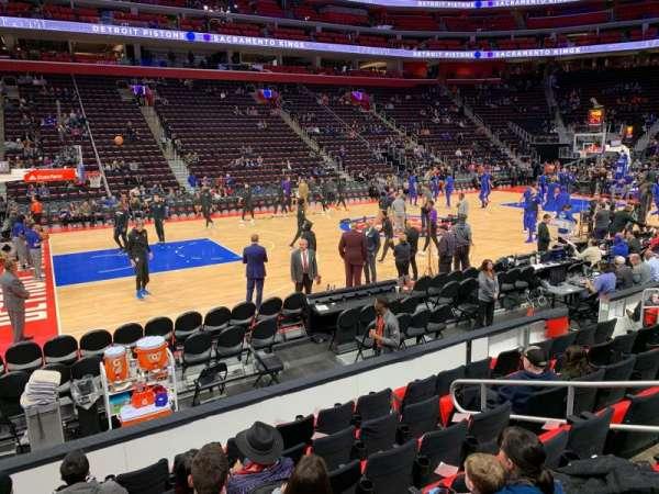 Little Caesars Arena, vak: 124, rij: 7, stoel: 14