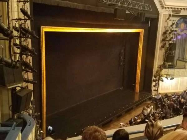 Ambassador Theatre, vak: Front Mezzanine L, rij: D, stoel: 17