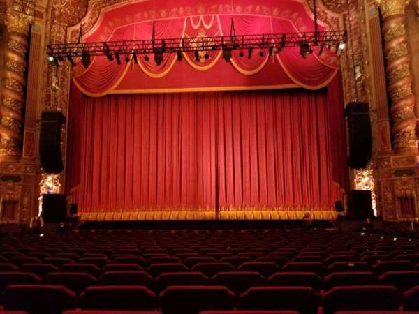 Kings Theatre (Brooklyn), vak: 2, rij: T, stoel: 111