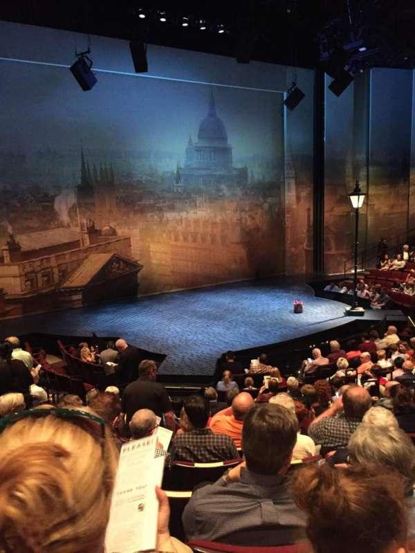 Vivian Beaumont Theater, vak: Orchestra LC, rij: O, stoel: 209