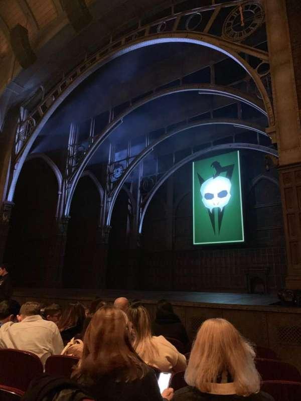 Lyric Theatre, vak: Orchestra R, rij: D, stoel: 28