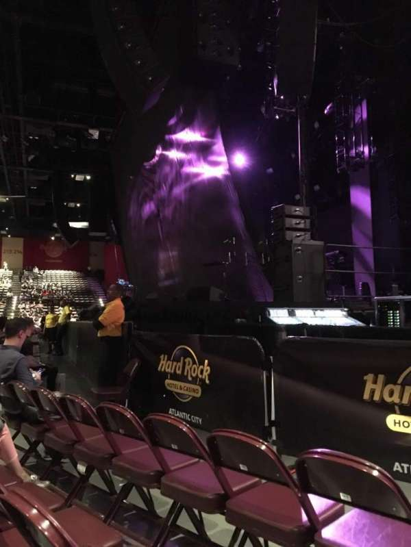 Hard Rock Live at Etess Arena, vak: 101, rij: C, stoel: 9