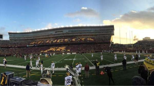 TCF Bank Stadium, vak: 112, rij: 2, stoel: 3