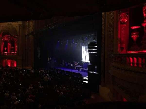 Chicago Theatre, vak: Balcony Box 10, rij: A, stoel: 14