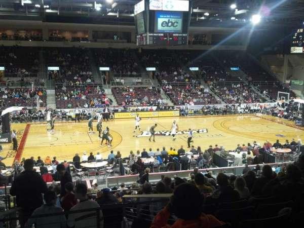 Erie Insurance Arena, vak: 218, rij: W, stoel: 13